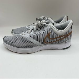 Nike Zoom Strike Women's Size 9.5 Athletic Running Shoes Sneakers